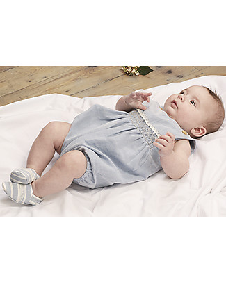 Annaliv Organic Cotton Booties in a Box, White/Grey Stripes – Wooden gift box included! Shoes
