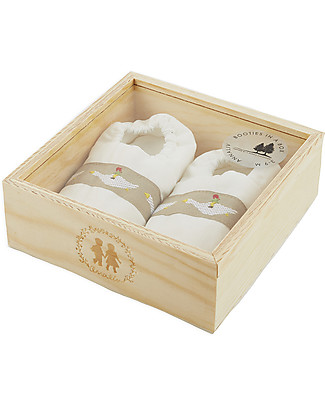 Annaliv Organic Cotton Booties in a Box, White - Wooden gift box included! Shoes
