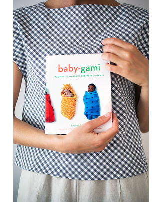 Baby-gami Baby-gami, Baby wrapping for beginners - English Edition - a tongue in cheek guide to baby swaddling and baby wearing! Swaddles