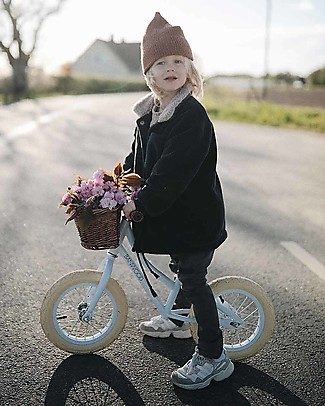 Banwood Balance Bike First Go with Helmet, Sky - From 3 to 5 years old!  Balance Bikes