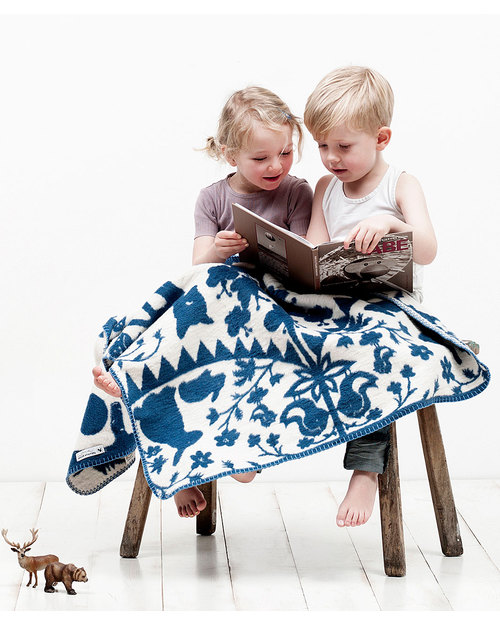 Fabulous goose fairytale forest blanket blue white 100 organic cotton fleece effect soft and warm 120x150 cm blankets 2336