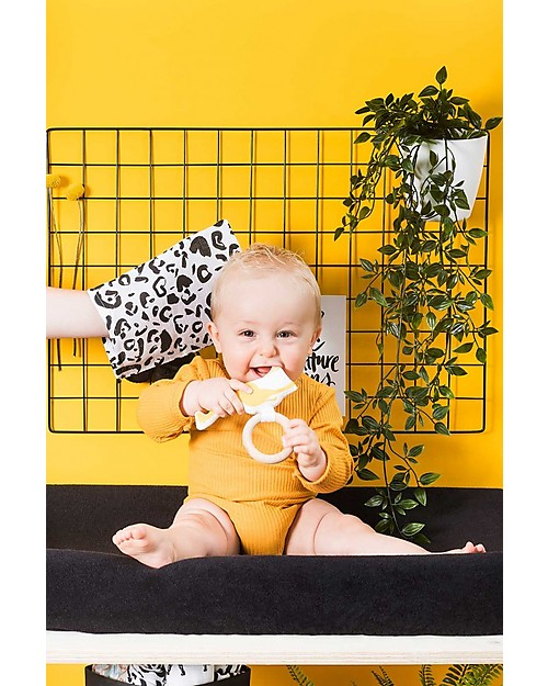 Jollein Wooden Teething Ring with Cotton Decoration Safari, Giraffe Yellow Teethers