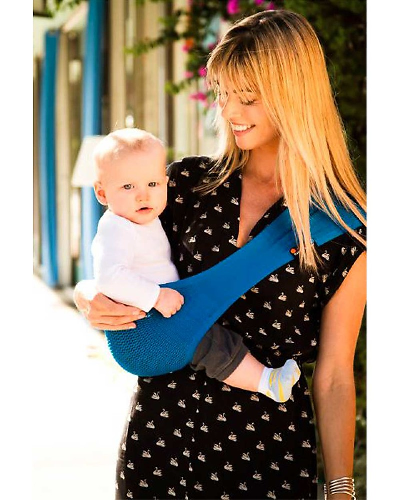 Award winning waterproof lightweight sling Wacotto Wide Easy baby carrier
