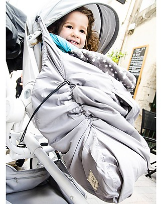 Lucky Three Way Fit Cape, Grey/Stars – Keeps the baby warm while in the baby carrier or stroller! Footmuffs