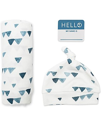 Lulujo Baby Hello World Kit, Hat + Swaddle, Navy Triangles, 120 x 120 cm - Bamboo Swaddles