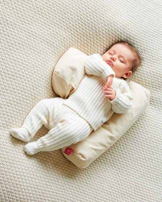 Nati Naturali Safe Sleep Pillow + removable cover - 100% Natural Spelt Wheat Husk & Organic Cotton Sleep Positioners
