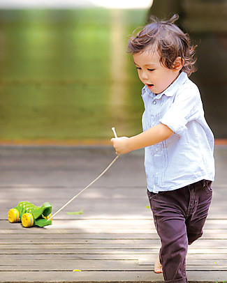 PlanToys Wooden Dancing Alligator, Pull-Along Toy, Green - Eco-friendly fun! Wooden Push & Pull Toys