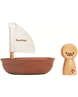 PlanToys Wooden Sailing Boat, Walrus 9x12x13 cm - Eco-friendly fun! Beach Toys