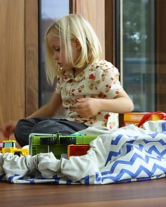 Play&Go Portable 2 in 1 Storage Bag & Playmat in cotton – Blue Zigzag Toy Storage Boxes