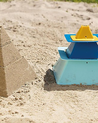 Quut Pira Pyramids - 3-Layered Pyramid Construction Beach Toys