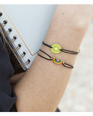 "UO Bracelet Charm ""Love always wins"" - Gift idea Bracelets"