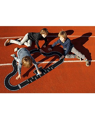 Waytoplay Waytoplay Flexible Cars Track,  Grand Prix, 24 pieces - Suitable for all surfaces! Outdoor Games & Toys